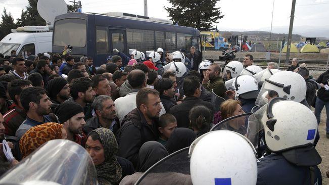 Brussel·les llança un pla de 700 milions d'euros per ajudar els refugiats